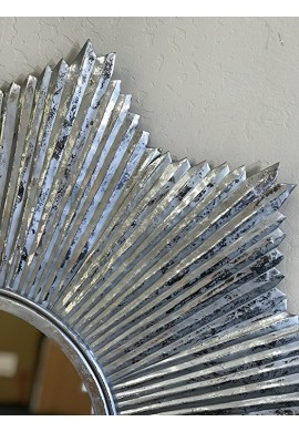 "32"" DecorShore Starburst Wall Mirror in Antiqued Silver, Galvanized Iron Metal Wall Art"