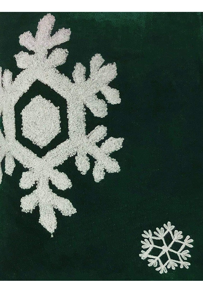 Shop Best Collection Of Dancing Snowflakes 18 Quot Green Throw